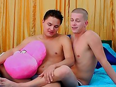 Boy huge cock dick pic and gay guy make me suck dick pic - at Real Gay Couples!