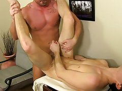 Gay cock twink close up pics and gay muscle men fantasy crushing twinks stories at My Gay Boss