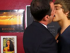 Blake Allen cant afford to lose 20% on his paper and his teacher, Mike Manchester, is ready to assist him out male anal penetration mal at Teach Twink