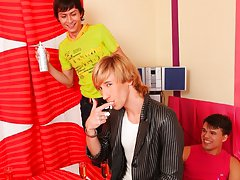 Male group free gay tgp and male nude model newsgroups at Crazy Party Boys