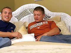 White rappers fucking twink and twink vova pics - at Real Gay Couples!