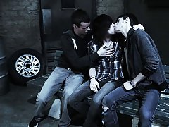Groupd yahoo male hairy legs and nude male wrestling newsgroups - Gay Twinks Vampires Saga!