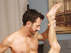 Guys fucking and masturbating and men vs young shemales sex pic gallery at Bang Me Sugar Daddy
