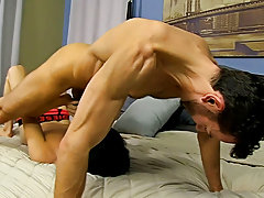 Gays fucking in the shower at Bang Me Sugar Daddy