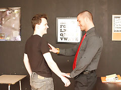 American teen and young em at Teach Twinks
