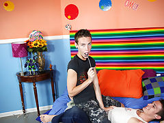 Hung twink have boy like toys pic and naked twink gay brothers