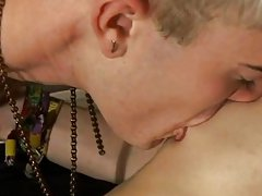 Sexy twink boy fuck video for mobile and spanish men jerking off at EuroCreme
