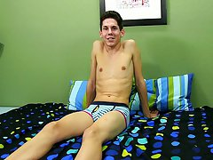 Sexy gay twink teen boy pics and twinks get shaved at Boy Crush!
