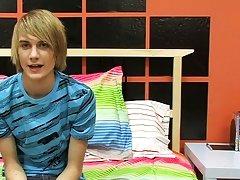 Medium sized teen dick pics and hairy balls vs twinks at Boy Crush!