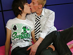 Free gay twink pictures and gay army twinks at EuroCreme