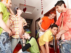 Naked sportsmen yahoo groups and nasty group gay sex xxx at Crazy Party Boys
