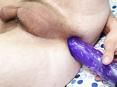 Teen twink clips and male masturbation with a pillow free videos at Boy Crush!