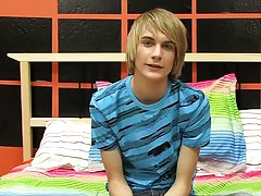 Cute fit teen pics and twink sees first cock in locker room at Boy Crush!