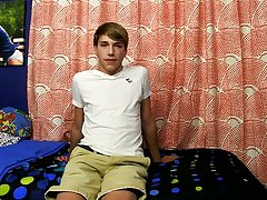 Young twink video clips blog and white twink cock pic at Boy Crush!