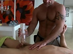 Whats up guys!!! Trace is back with a lovely country boy who inquired about my renowned massages chubby gay bear porn