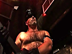 Butch returns for more fun in the Vauxhall leather club, this in the nick of time b soon with muscle compelled Tim gay bears gang bang at Alpha Male F