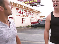in this weeks update of out in public men pissing outdoor