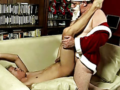 The legendary figure delivered such a prominent blowjob that a boy could not resist the spur to judge Santa's skills at ass fucking mature gay su