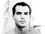 Billy Zane posing